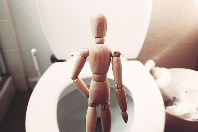 mens bathroom | chicago comedian | caribbean comedy